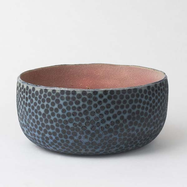 Prikket skål, h.20cm d. 40 cm